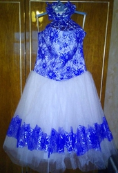 продам нарядное платье для новогоднего  праздника и выпускного.